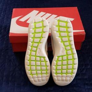 *HARD TO FIND* Nike Roshe Two Sneakers NIB